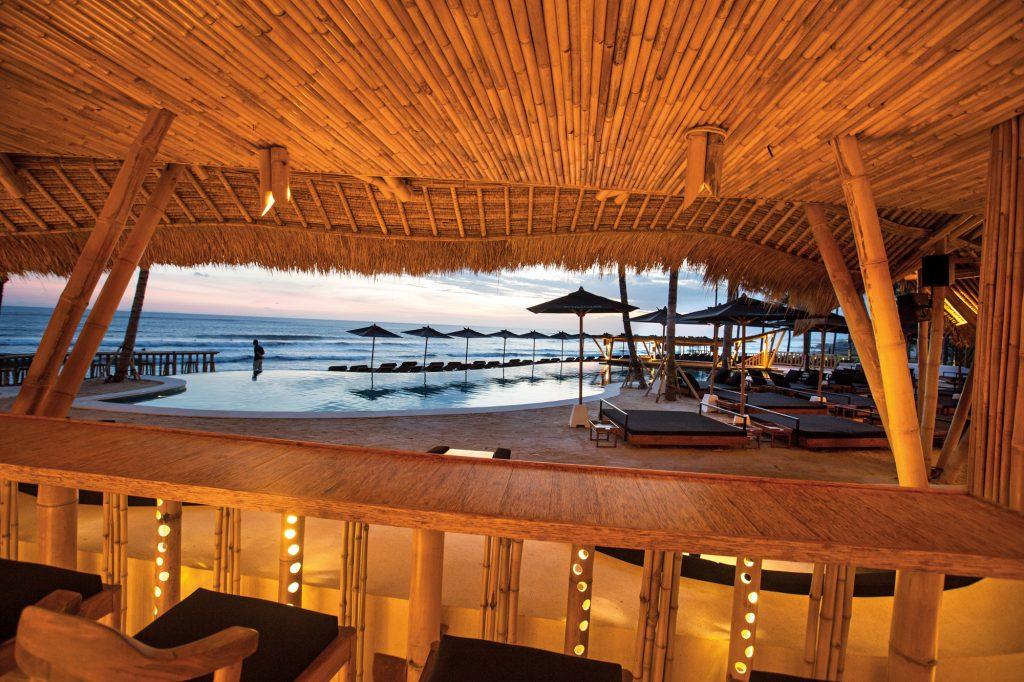 Beach clubs in Bali - Finns Beach club Canggu