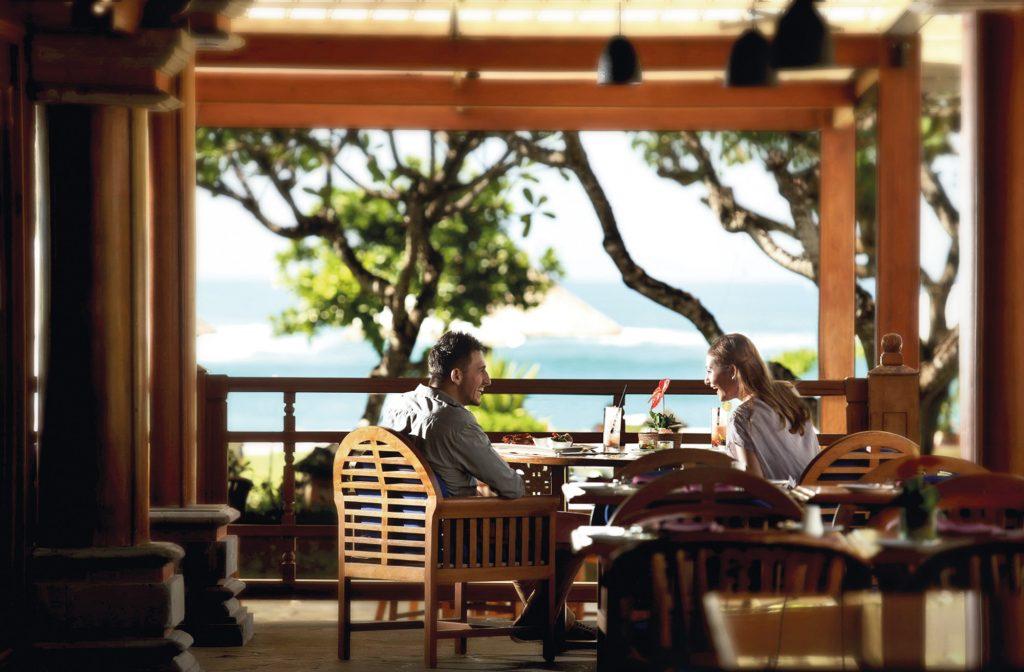 Theme - Dining - Lagoona Restaurant