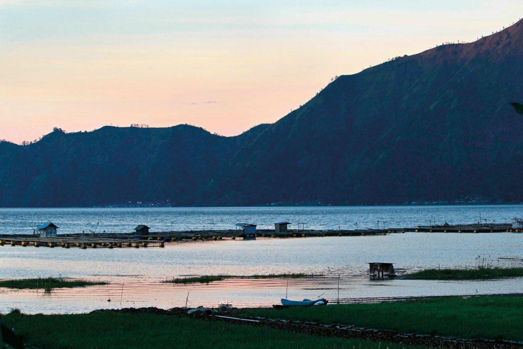 Lake-Batur---fishfarms