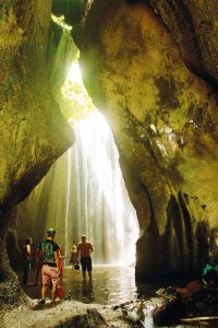 theme-wtg-tukad-cepung-waterfall-8a