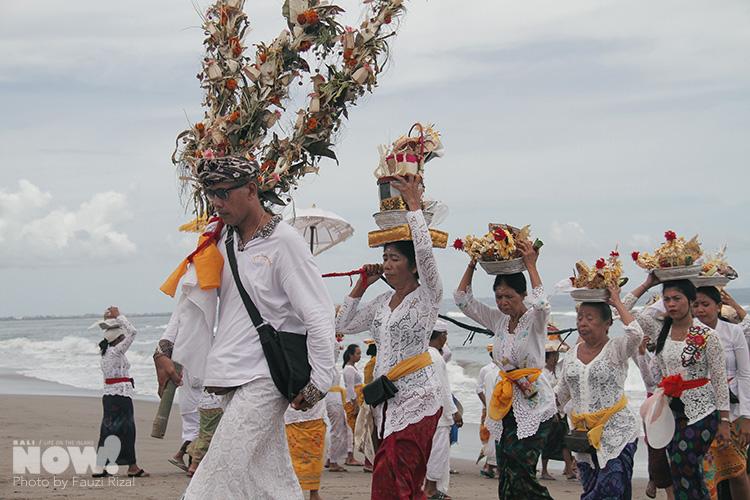 Melasti Purification Ceremony NOW BALI 6
