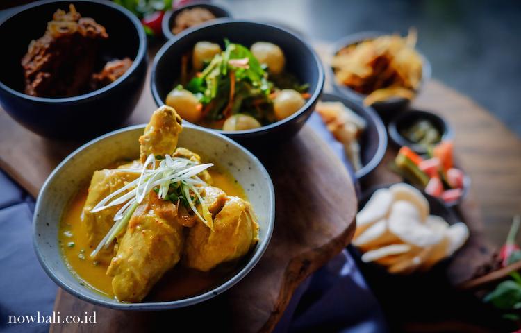 Opor Ayam - Lebaran in Bali Moringa_