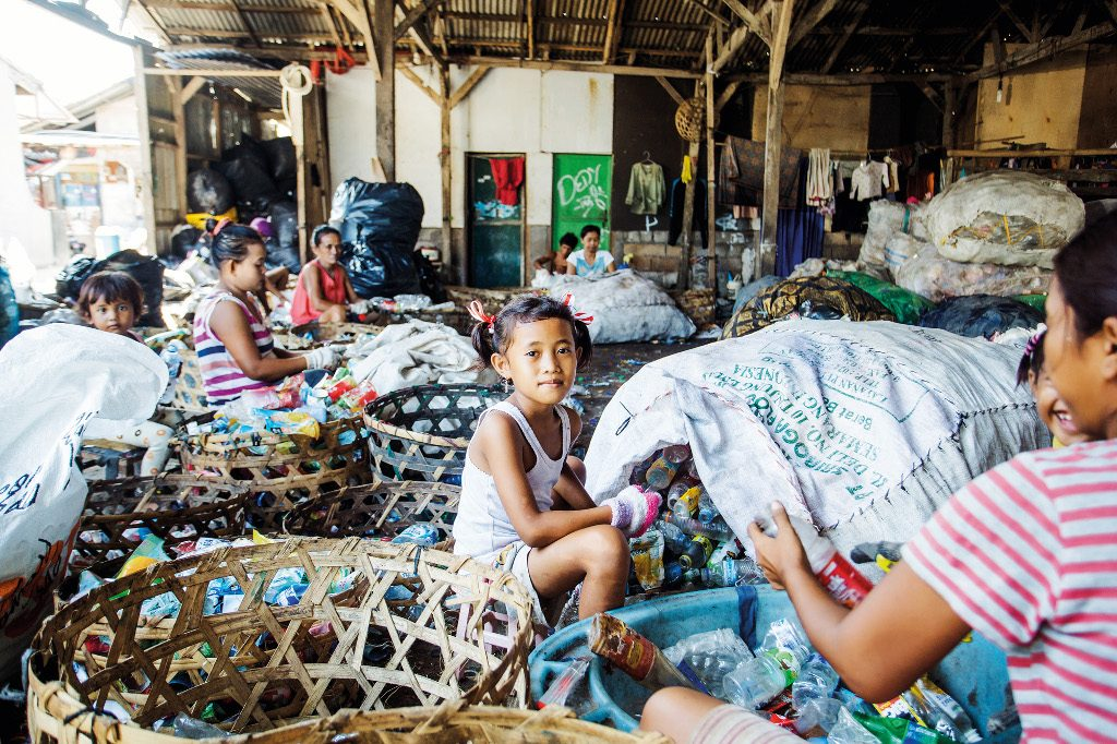 Charity Profile - Bali Life Foundation - street kids at TPA Suwung