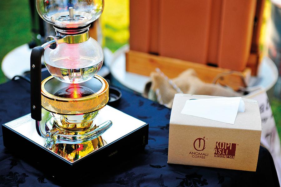 Bali Cafes Anomali Ubud Seminyak Coffee