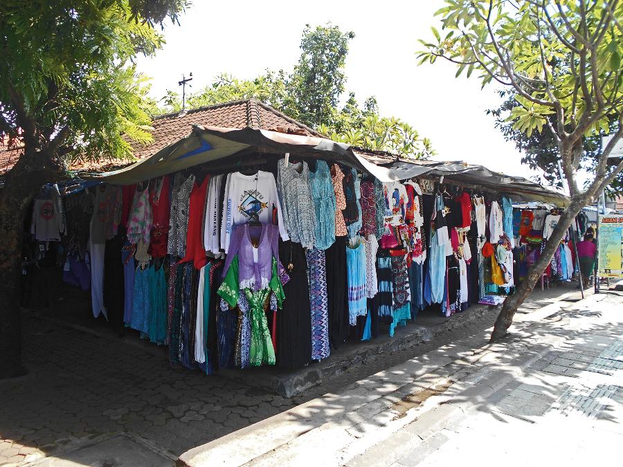 Merta Nadi Art Market. Photo by Joannes Rhino