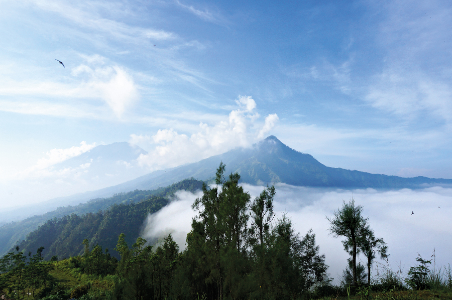 The view on the way to Muntigunung