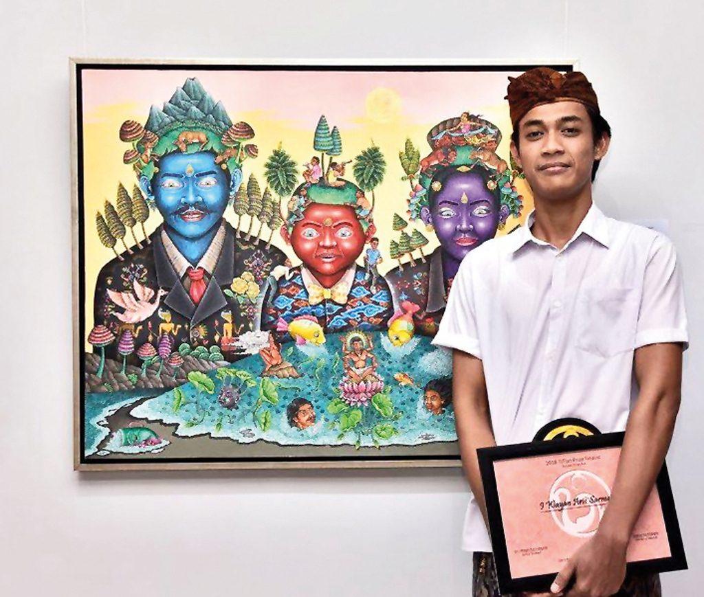 TITian Prize winner Wayan Aris Sarmanta and his painting - Keluarga Bumi