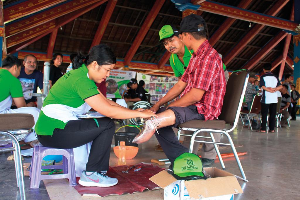Bali Heroes Puspadi outreach team to lombok
