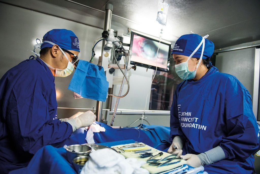 JFF_Helmy-Cataract_Surgery_Inside_Mobile_Eye_Clinic