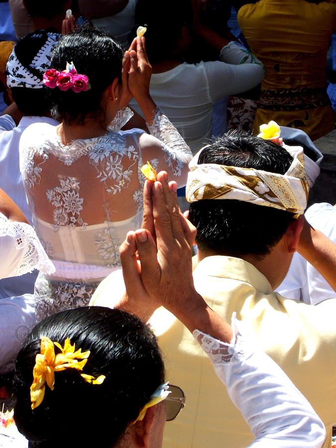 Hari Raya Kuningan Bali Ceremony