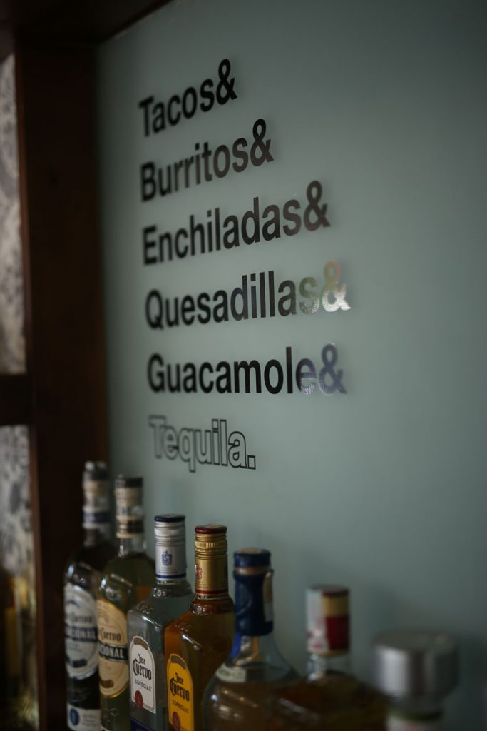 Los Jefes Tequila Bar and Kitchen 6
