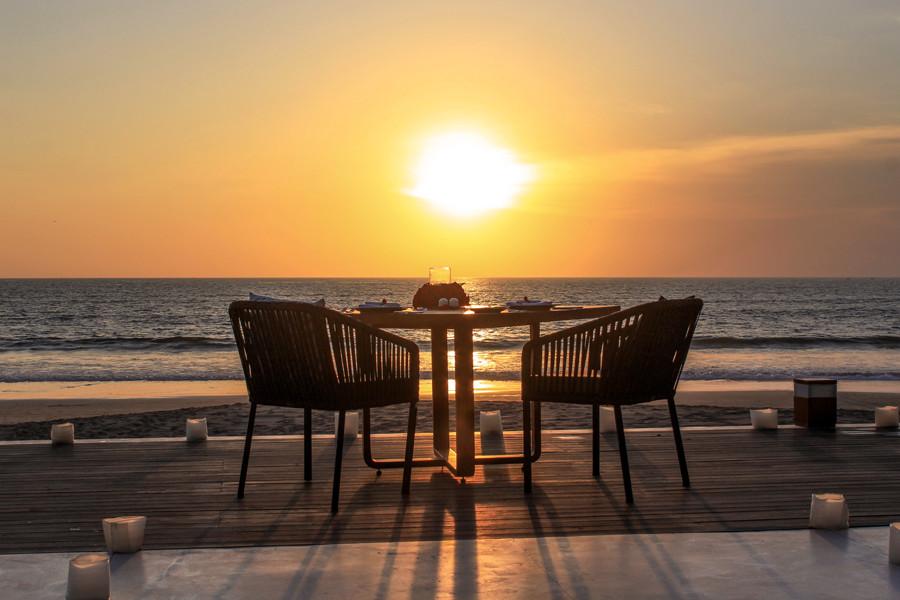 Valentines Day Romantic Dinner in Bali - Alila Seminyak