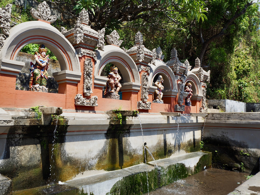Horse Baths, Tejakula Bali (1)
