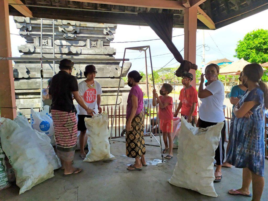 Plastic Exchange Bali 3
