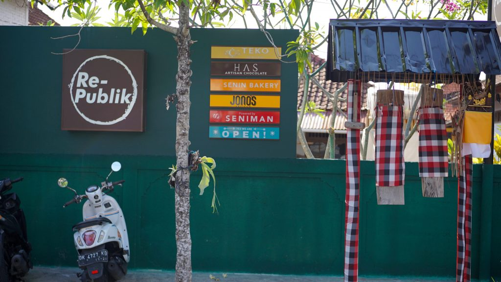 Re-Publik Bali Berawa Cafe