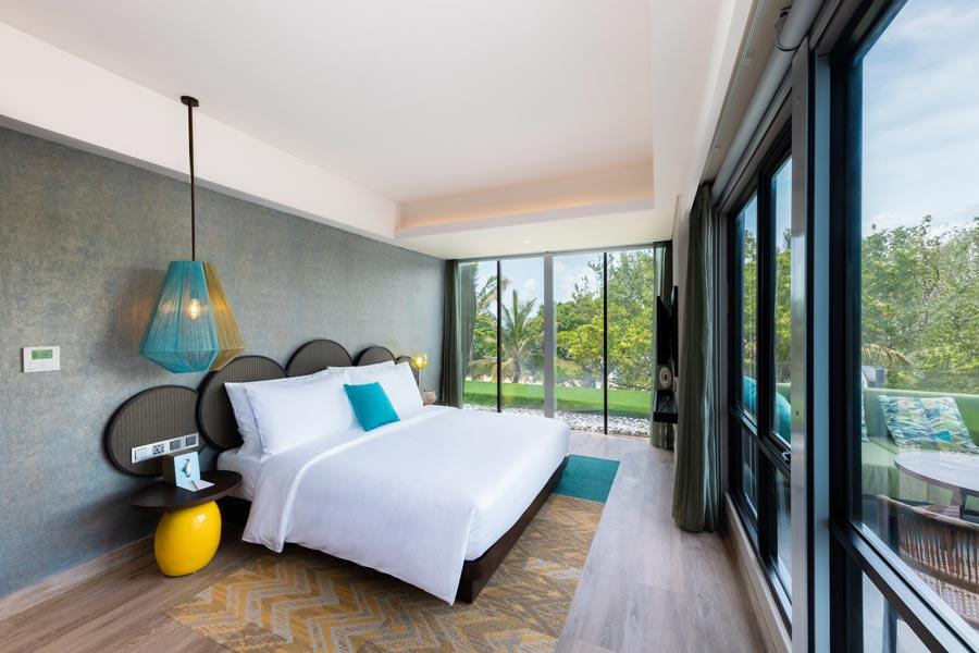 Top-Gun-Suite---Master-Bedroom