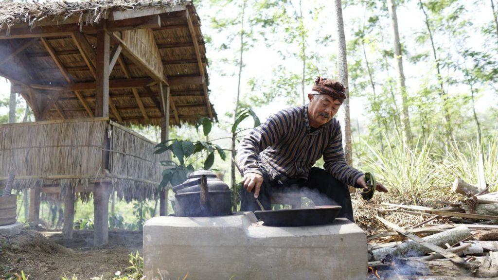 Tugu-Kawisari-Coffee-Plantation-Java-Indonesia-2